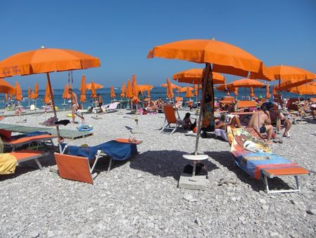sorrento-beach-4.jpg